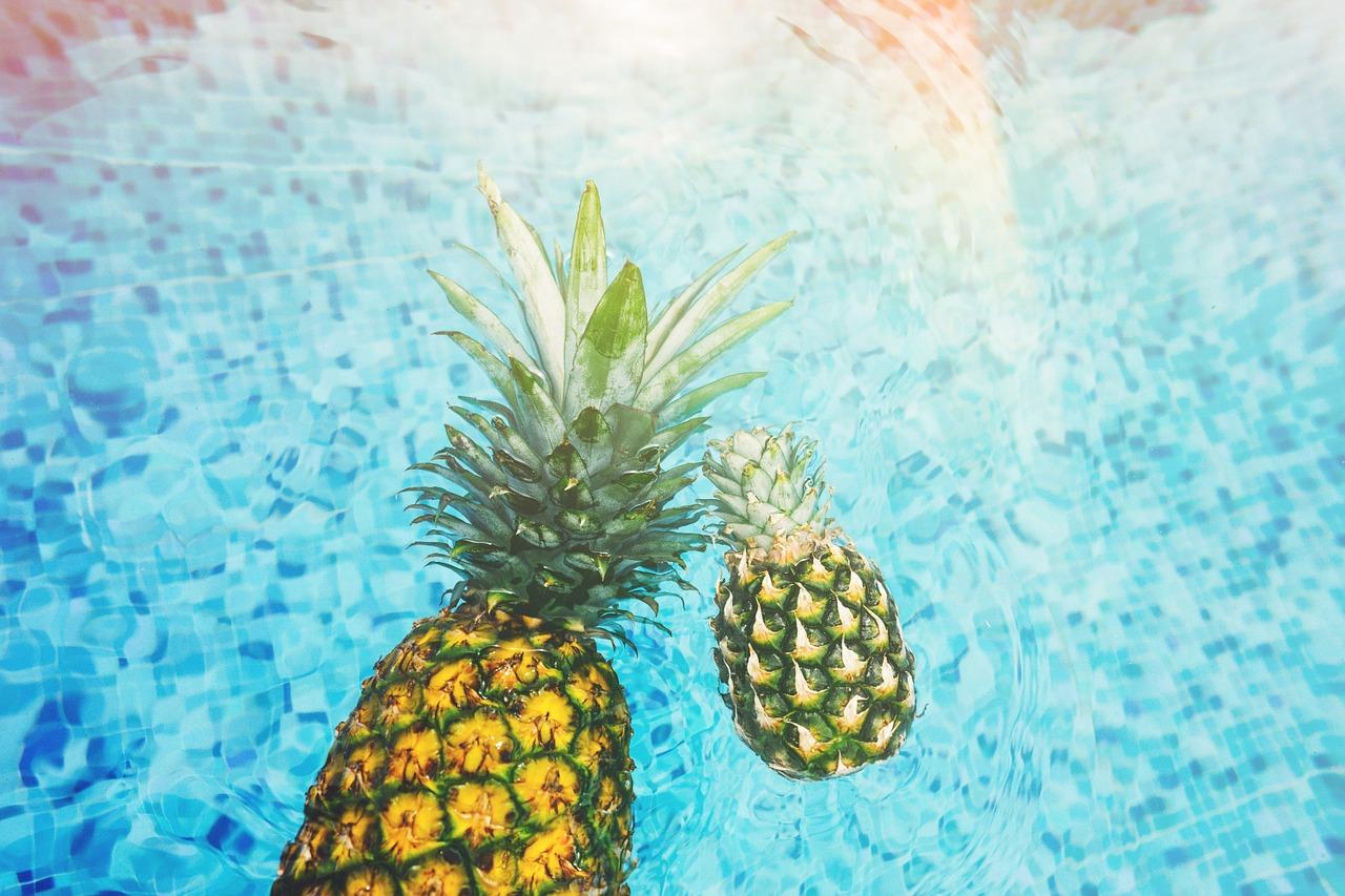 Plující ananasy